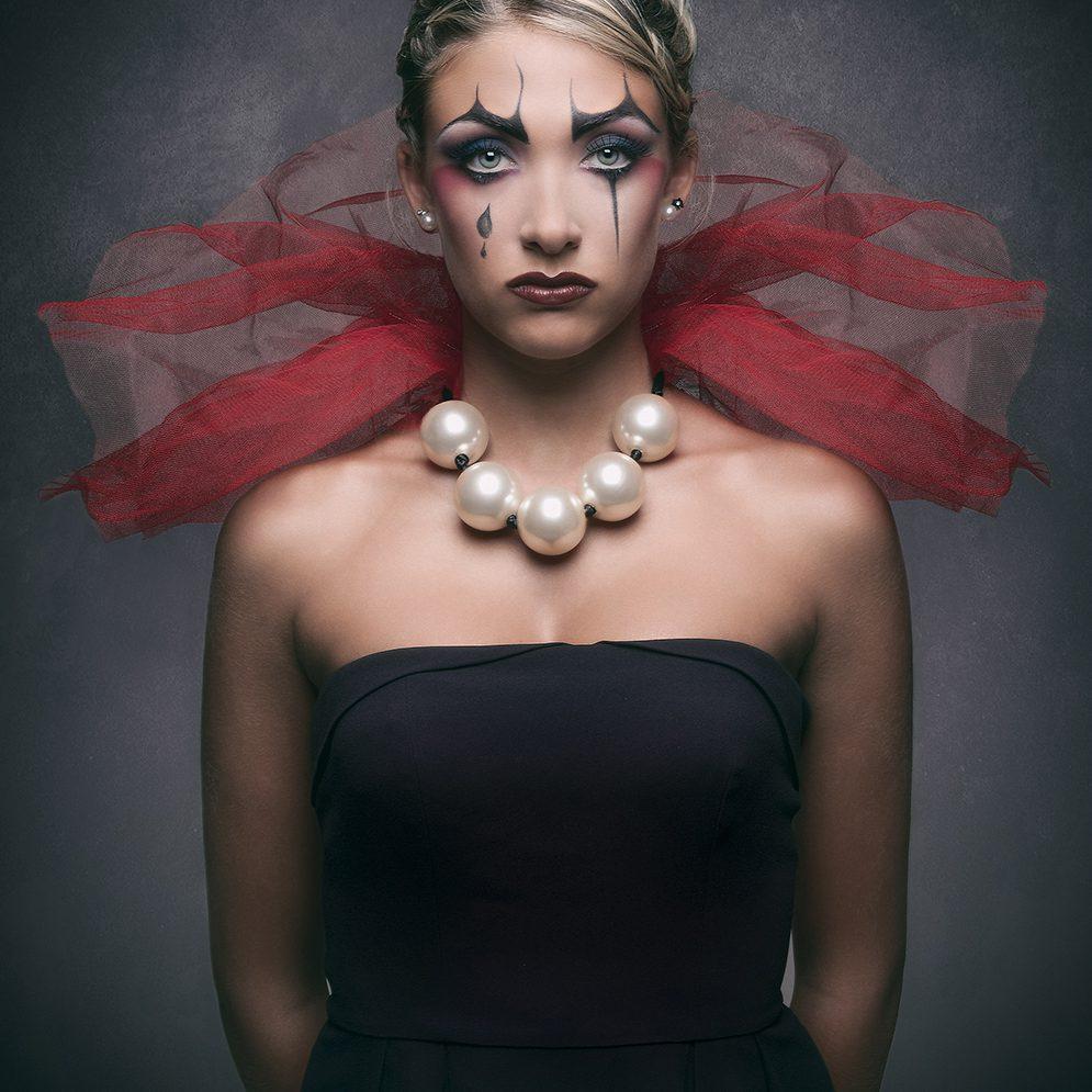 Queen clown